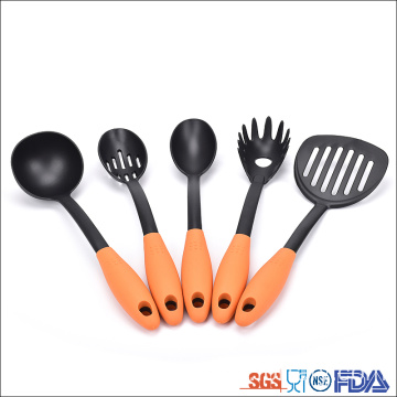Good Quality for Nylon Kitchen Utensils Set 5 piece non-slip handle Nylon cooking utensils accessories supply to Poland Suppliers